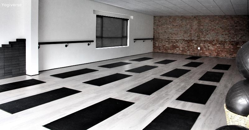 Unolome Yoga & Little Yogis